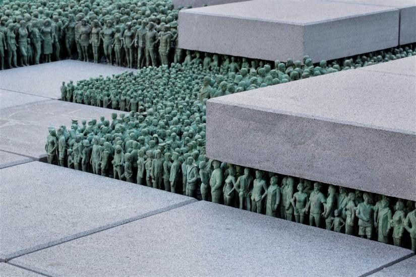 <em>Grass Roots Square</em>, av Do Ho Suh. Fotograf: Trond Isaksen