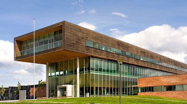<em>Høgskolen i Østfold, avdeling Halden</em>, av Ramstad + Bryn Arkitektur AS. Fotograf: Statsbygg