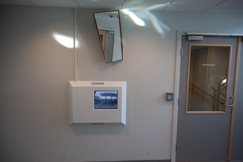 <em>chain reflection corridor og   'vide,o </em>, av Lutz-Rainer Müller og Jesper James Alvær. Fotograf: Ole John Aandal