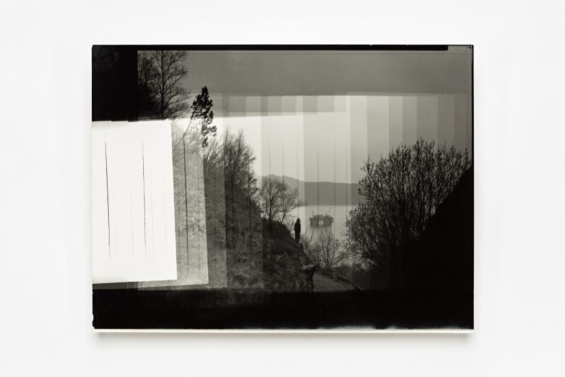<em>Torbjørn Rødland</em>, sølvgelatin, mørkeromstest, 1994. Photographer: Vegard Kleven