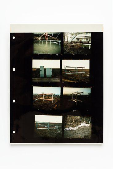 <em>Linn Pedersen</em>, analogt fotografi (kontaktkopi av mellomformatbilder), 2006. Photographer: Vegard Kleven