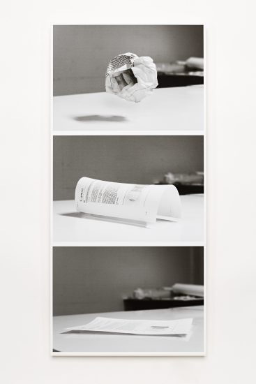 <em>Toril Johannessen</em>, svart/hvitt fotografi, digital print, 2010. Photographer: Vegard Kleven