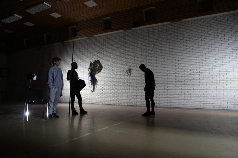 <em>Fra filminnspilling, med Brynjar, Andreas og Marius (Ullersmo fengsel)</em>, Liv Bugge. Photographer: Liv Bugge