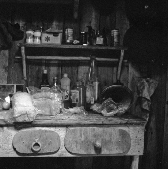 <em>The ideal state (Driftwood kitchen)</em>, Una Hunderi. Photographer: Una Hunderi