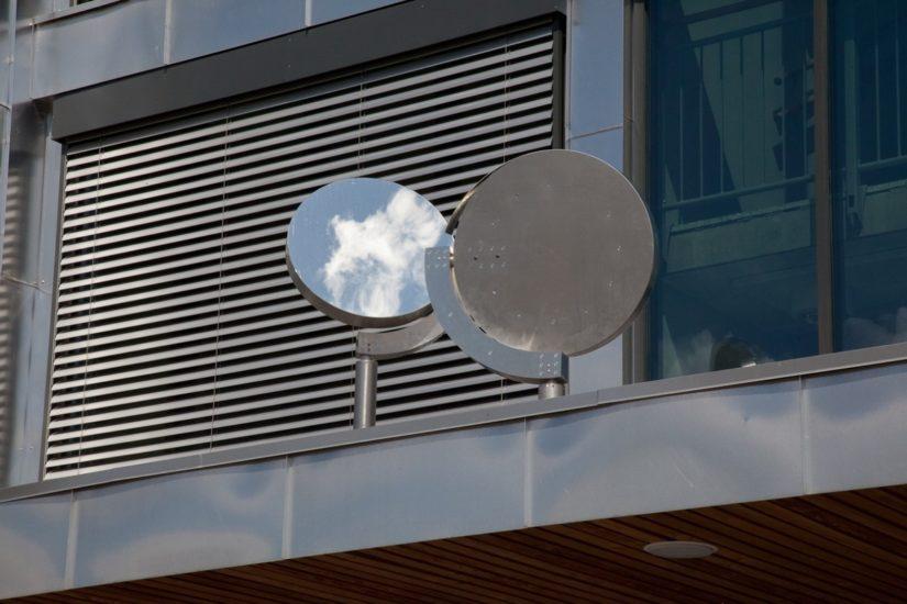 <em>chain reflection corridor</em>, Lutz-Rainer Müller. Photographer: Ole John Aandal