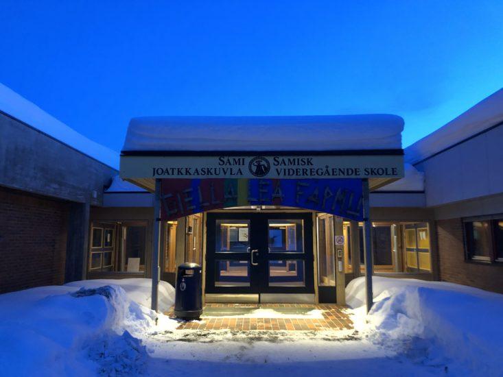 <em>Samisk videregående skole i Karasjok</em>, . Fotograf: KORO
