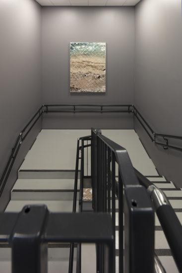 <em>Flexible Cosmos (mellom 4 og 5 etasje)</em>, Azar Alsharif. Fotograf: Werner Zellien